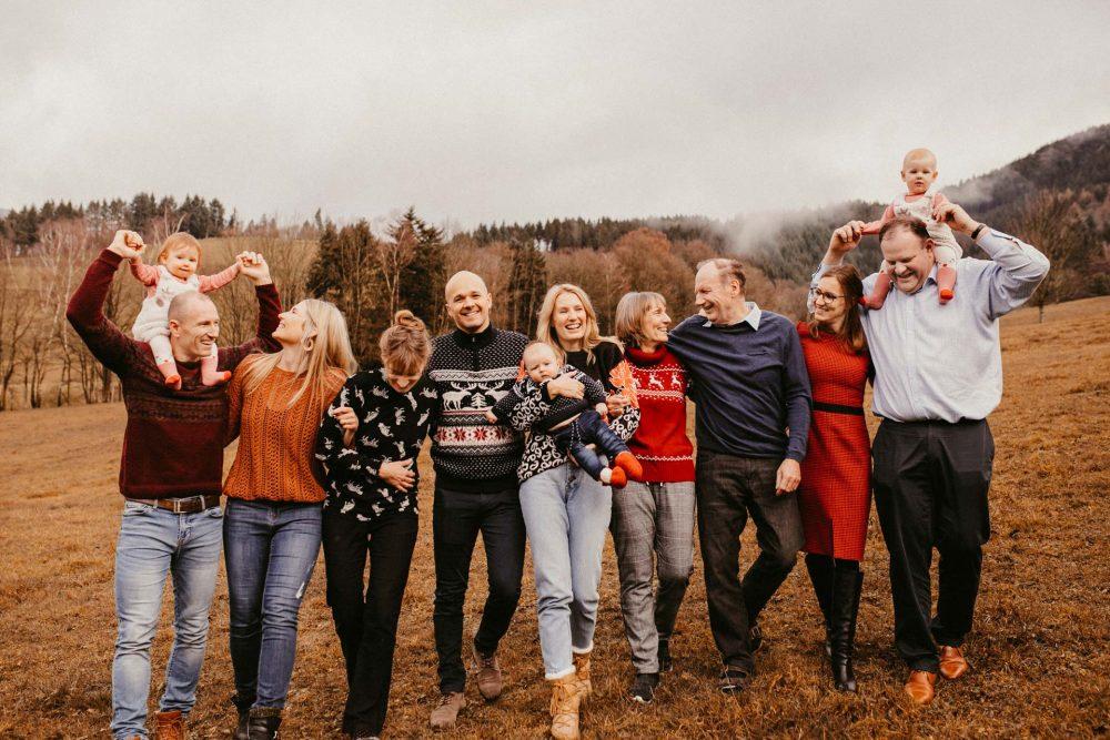 Familienfotografie Familienfotograf Freiburg Basel Lörrach Offenburg natürlich liebevoll Newborn Familie zu Hause oder in der Natur